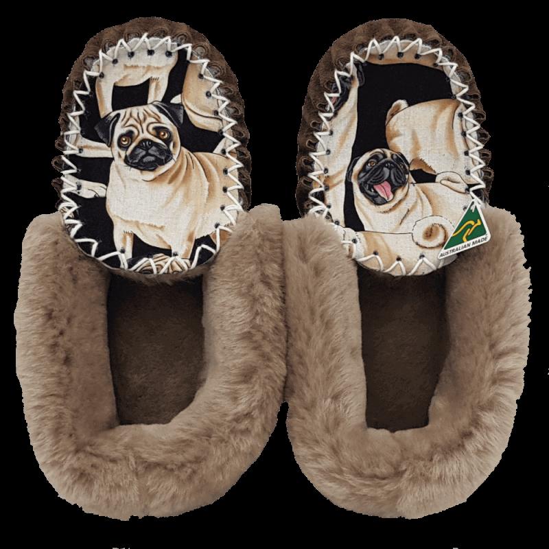 Eweniq Bulldog Sheepskin Moccasin Slippers top