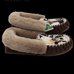 Eweniq Bulldog Sheepskin Moccasin Slippers side